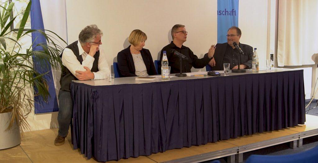 Podiumsdiskussion Künstliche Intelligenz und politische Entscheidungsfindung_Podium